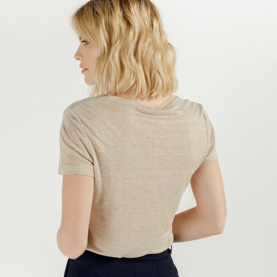 T-shirt com Decote em V