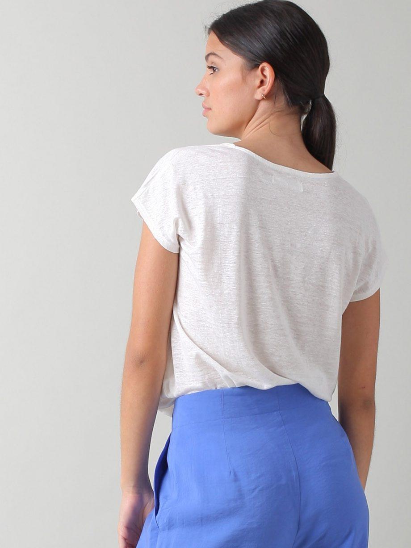 T-shirt em linho decote em V