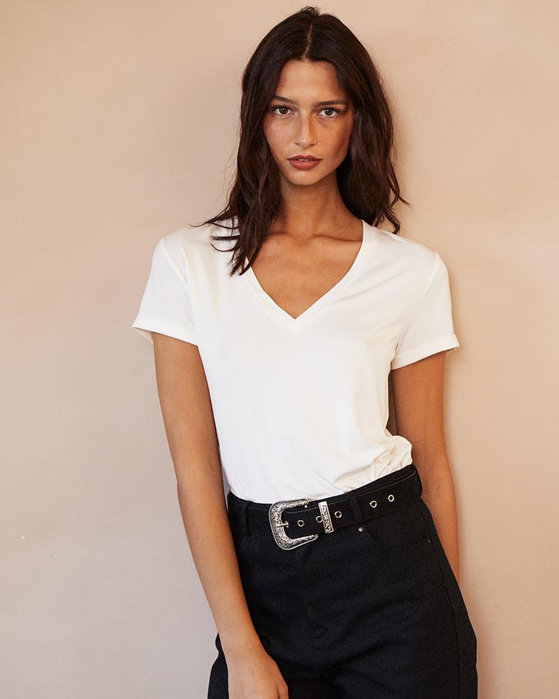 T shirt com decote em V