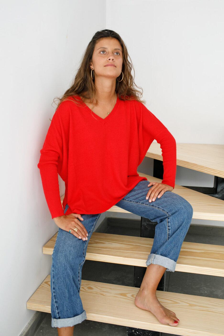 Camisola com decote em V vermelha-Violet&Gigner