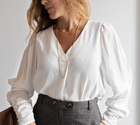 Blusa com decote em V-Violet&Ginger